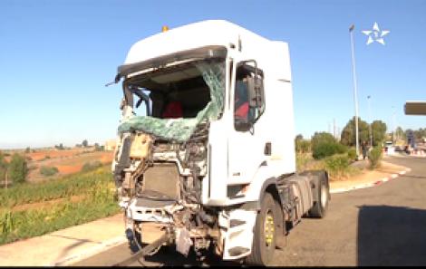 حادثة سير بين شاحنة وحافلة تسفر عن 6 قتلى و14 جريح