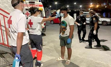 البحرية الاسبانية تنقذ 16 مهاجرا سريا ينحدرون من الحسيمة