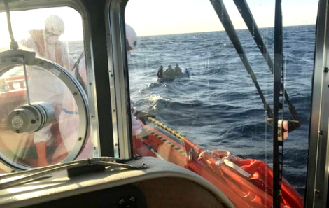 المغاربة يتصدرون قائمة المهاجرين الذين وصلوا الى اسبانيا في قوارب الموت