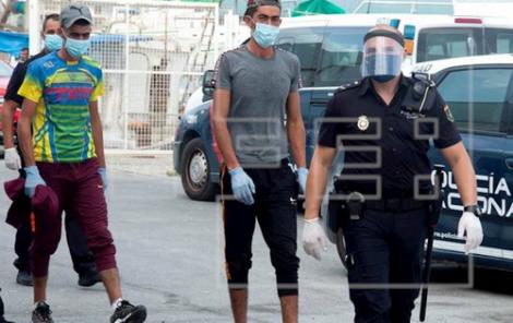 8 مهاجرين ابحروا من سواحل الريف يصلون الى اسبانيا