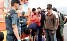 انقاذ 280 مهاجرا سريا في يوم واحد بينهم العشرات من المغاربة