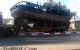 شاحنة تحمل قارب تقطع الطريق بالحسيمة