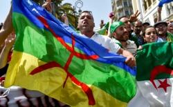 نيابة محكمة عنابة تطالب بالسجن 10 سنوات ضد متظاهر رفع الراية الأمازيغية
