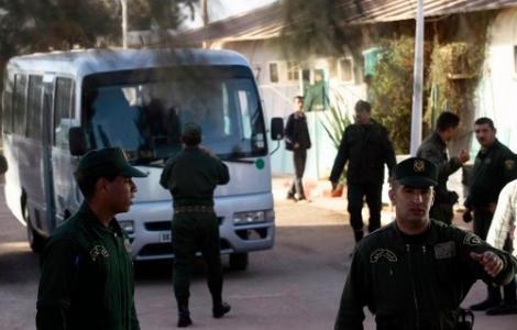 مقتل 6 واصابة 30 في اشتباكات بين عرب وامازيغ في الجزائر