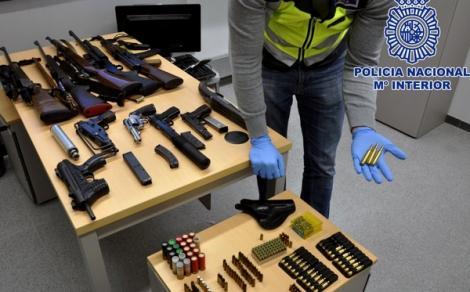 اسبانيا.. تفكيك منظمة للاتجار في الاسلحة يقودها مغربي