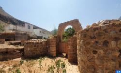 موقع بادس الأثري .. معلمة تاريخية بمؤهلات سياحية واعدة