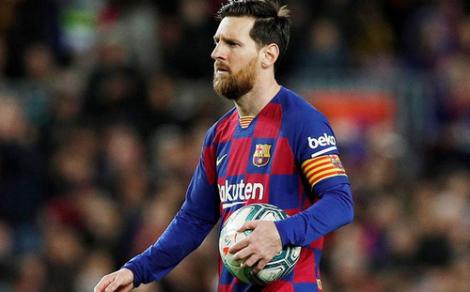 """الحكومة الإسبانية تعطي الضوء الأخضر لعودة دوري كورة القدم """"الليغا"""""""