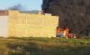 بني بوعياش.. النيران تحاصر العشرات من الشرطة داخل منزل بعد احراق سياراتهم