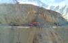 """الطريق السريع تازة الحسيمة.. الجرفات """"تأكل"""" من جبل بوعلما (فيديو)"""