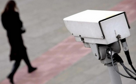 السلطات تلغي مشروع تثبيت كاميرات امنية للمراقبة في شوارع الحسيمة