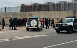 اعتقال 40 مهاجرا مغربيا بعد مواجهة عنيفة في ميناء سبتة