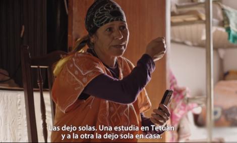 سيدة من الحسيمة تشتغل في حقول الفرولة باسبانيا تروي معاناتها