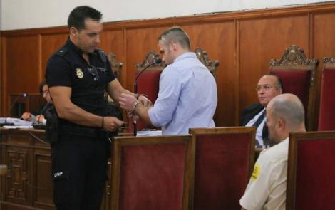 اسبانيا.. 25 سنة سجنا لمغربي قتل زوجته بـ 33 طعنة