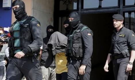 اسبانيا ..الانتربول تعتقل زعيم شبكة لتهريب المخدرات مطلوب للمغرب