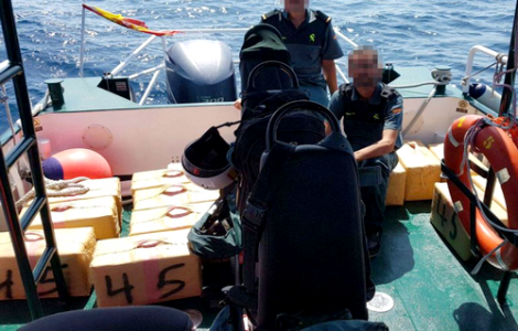 اسبانيا .. 18 سنة سجنا و18 مليون يورو غرامة لـ 3 مغاربة يهربون المخدرات