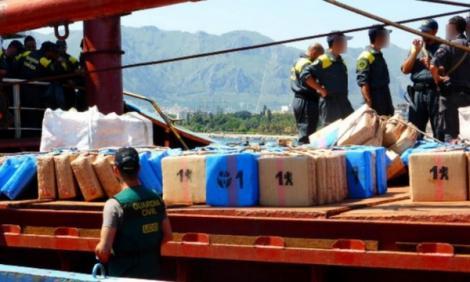السلطات الاسبانية تعترض باخرة محملة بـ 20 طن من الحشيش (فيديو)