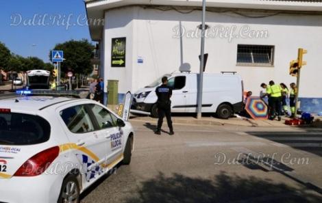 """سيارة """"متهورة"""" تقتل مهاجرا مغربيا على الرصيف في اسبانيا"""