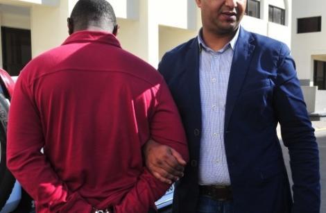 اعتقال كاميروني بالناظور ألقى بشخص من الطابق الرابع