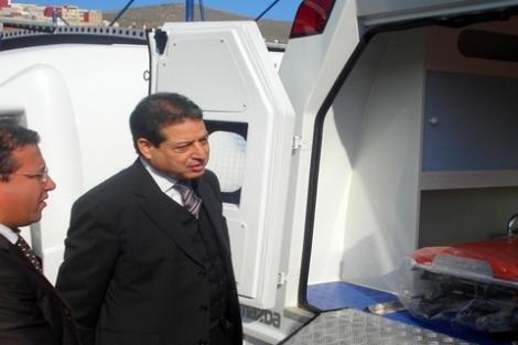 توزيع 43 حافلة للنقل المدرسي و20 سيارة إسعاف مجهزة بالحسيمة