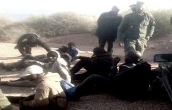 الحسيمة.. توقيف العشرات من المهاجرين السريين قرب شاطئ بإزمورن