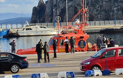 طاقم زورق الإنقاذ بميناء الحسيمة متورط في انشطة مشبوهة