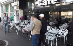 توزيع 450 قفة على ارباب ومستخدمي المقاهي والمطاعم بالحسيمة