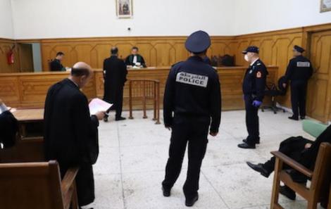 التظاهر بدون ترخيص يقود قاصرا من امزورن الى المحاكمة