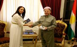الزعيم الكردي مسعود برزاني يستقبل الناشطة الامازيغية مليكة مزان