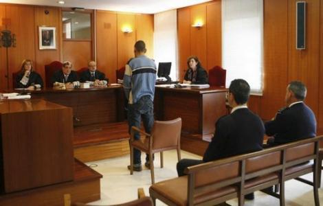 ادانة مغربي هرب شقيقه في سيارة من ميناء الناظور