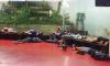 طالبو لجوء مغاربة يعيشون اوضاعا مزرية داخل مراكز الشرطة ببرشلونة (فيديو)