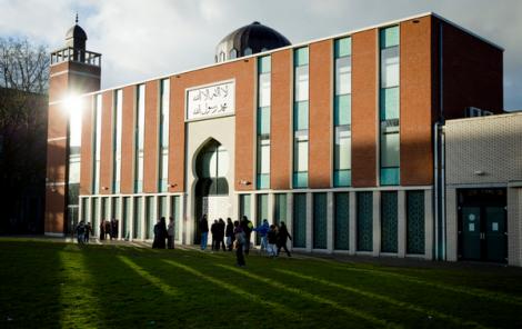 مساجد هولندية تغلق أبوابها وقت الصلاة عقب هجوم كندا