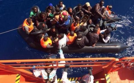 انقاذ 29 مهاجرا سريا كانوا على متن قارب انطلق من الناظور