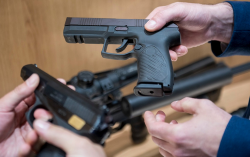 مسدسات مهربة تباع بستة آلاف درهم بالناظور والنواحي