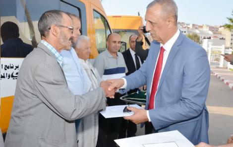 اقتناء 30 حافلة جديدة للنقل المدرسي لفائدة تلاميذ اقليم الحسيمة