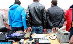 امزورن.. السرقة الموصوفة تحت تهديد السلاح تقود ثلاثة اشخاص الى الاعتقال