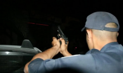 الناظور.. شرطي يستعمل سلاحه لتوقيف شخص عرض المواطنين للخطر