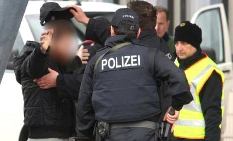 المانيا .. اعتقال شخصين قادمين الى الناظور في مطار كولونيا