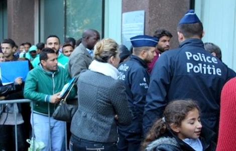 بلدية بلجيكية تطالب بتسوية وضعية المهاجرين غير الشرعيين بسبب كورونا
