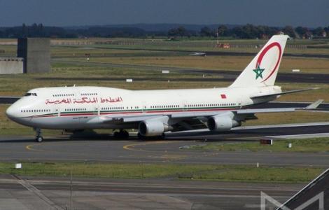 المغرب يشرع في إجلاء المغاربة العالقين بالخارج والبداية من الجزائر