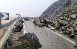 حركة المرور على الطريق الساحلية بين الحسيمة وتطوان لازالت متوقفه