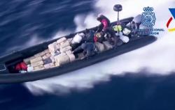 شرطة إسبانيا تعتقل مهربي مخدرات في البحر المتوسط بعد مطاردة مثيرة (فيديو)