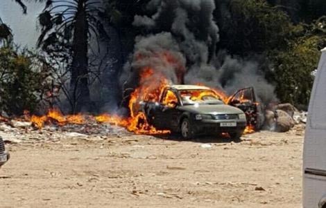 احتراق سيارة مغربية قرب معبر فرخانة يستنفر شرطة مليلية