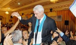 """البروفيسور الوزاني يقلب الطاولة على """"المجموعة 13"""" الغريبة ويظفر بالرئاسة"""