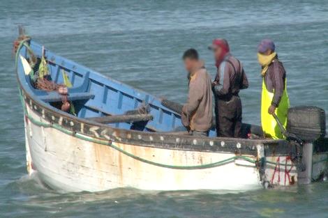 مهاجرون مغاربة يختطفون بحارا ويبحرون بقاربه إلى اسبانيا