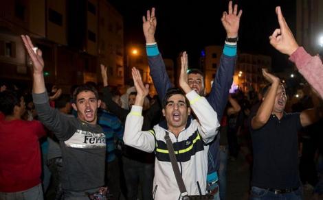 """""""الحركة الحقوقية"""" بالحسيمة تتحدى الداخلية وتؤكد نزولها الى الشارع"""