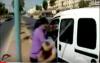 تمثيل جريمة السطو على سيارة وسط الشارع