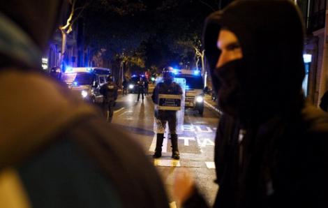 السلطات الاسبانية تقرر ترحيل مغاربة شاركوا في احتجاجات كاتالونيا