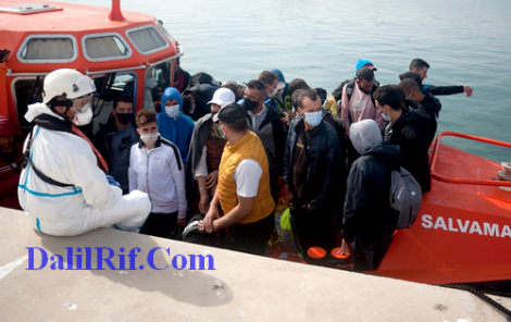 26 مهاجرا من الحسيمة وبني بوعياش وتطوان يصلون الى اسبانيا (صور)
