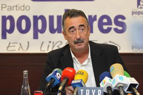 سياسي اسباني يدعو الى وقف تدفق المغاربة الى مليلية
