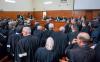 """معتقلوا الريف بالبيضاء يَرُدون على محاكمتهم بآداء جماعي لـ""""إزْرَان"""" من داخل المحكمة"""